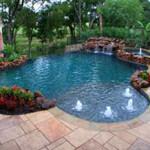 бассейн с водой